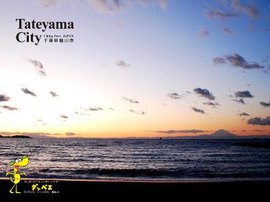 北条海岸の夕富士